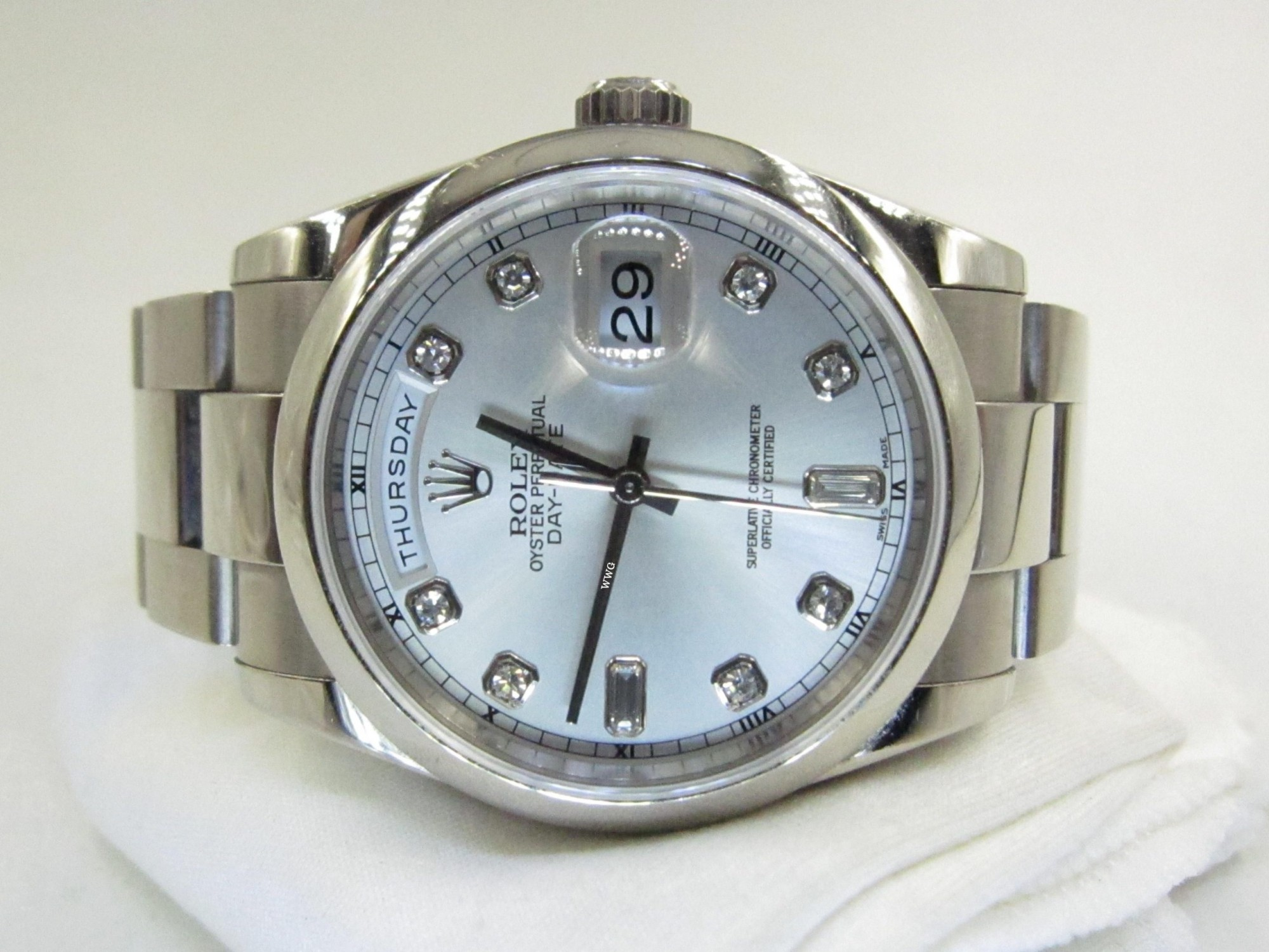 Rolex Day-Date With Diamond 118209(Pre-Owned Rolex Watch)RL-350